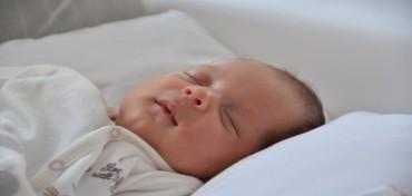Rola nawilżaczy powietrza w pokoju dziecka.