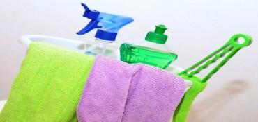 Środki czystości, które zagrażają Twojemu zdrowiu i środowisku.